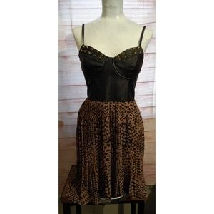 Size S black and tan dress